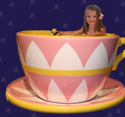 Nevena_in_the_teacup_2_fake_copy_3